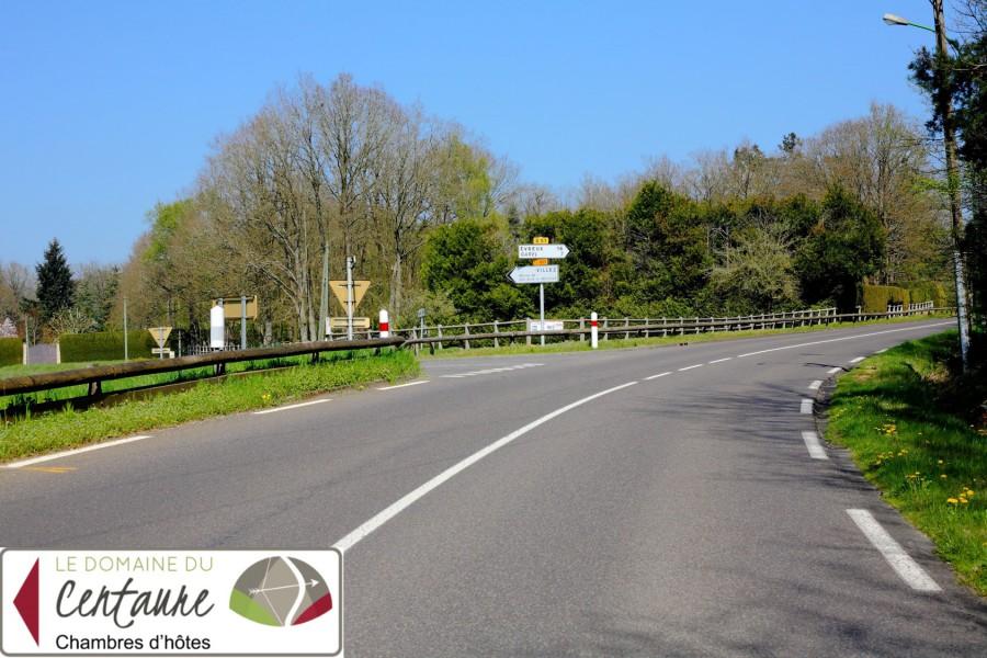 Prendre à gauche la D60 direction Villez