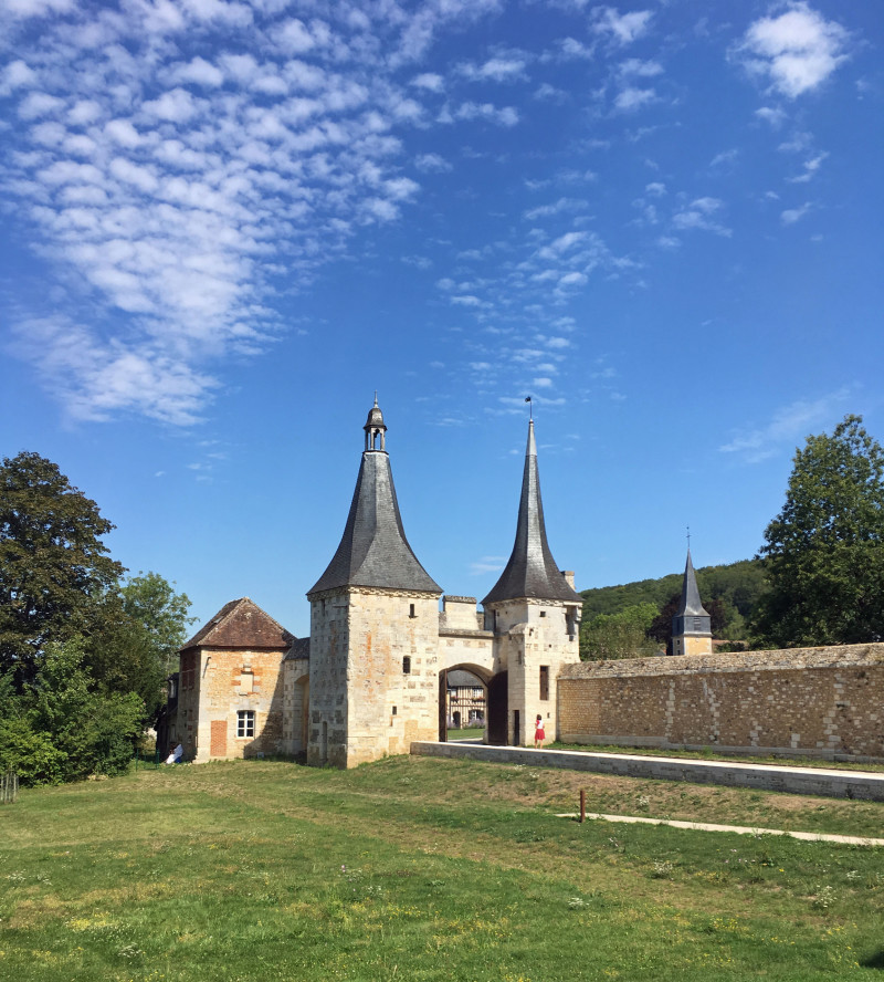 La splendide abbaye du Bec-Hellouin et son joli village, dans l'Eure, en Normandie